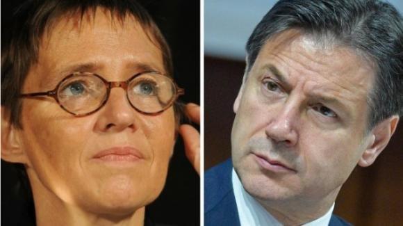 """Susanna Tamaro contro Giuseppe Conte: """"Chi ci governa pensa a noi italiani come a un popolo di poveri dementi"""""""