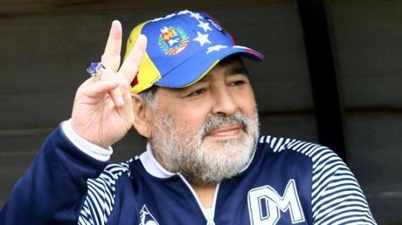 """Diego Armando Maradona ricoverato in Argentina, ma il suo medico assicura: """"Non è una situazione di emergenza"""""""
