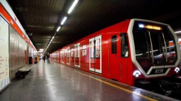 Gesto disperato alla metro di Milano, un giovane ricoverato