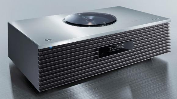 Technics SC-C70MK2: sistema audio 2.1 con design vintage e fonti moderne
