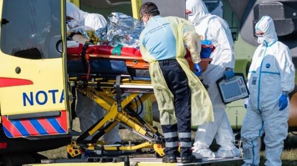 Medico indagato in Germania: è accusato di aver somministrato iniezioni letali a due malati di Covid-19