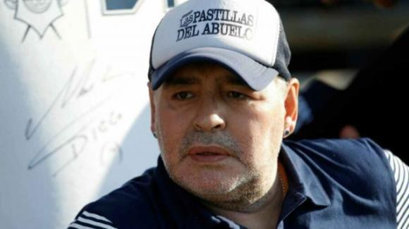 Giallo sulla morte di Maradona, medici sotto accusa