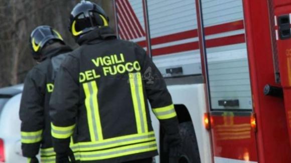 Lecce, prende fuoco la coperta a causa del calore della stufa: morto ustionato 92enne