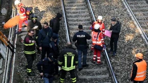Treno investe e uccide 90 pecore sulla linea ferroviaria Milano-Varese: traffico rallentato