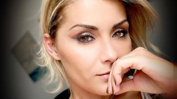 U&D, Carlotta Savorelli finisce in Tribunale: furto di identità per la dama del trono over