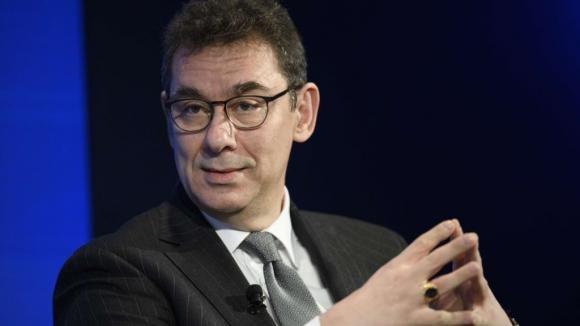 Pfizer: il Ceo Bourla vende 5,56 milioni di dollari di azioni nel giorno del lancio del vaccino