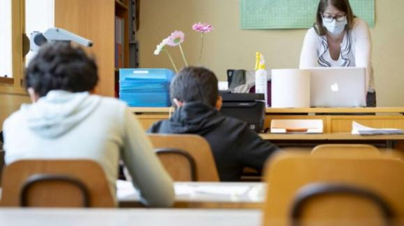 Scuola, tutte le novità per gennaio: possibile vaccino per docenti e ATA