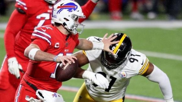 NFL 2020, 14a settimana: i Bills frenano ancora gli Steelers, i Chiefs vanno al comando battendo i Dolphins