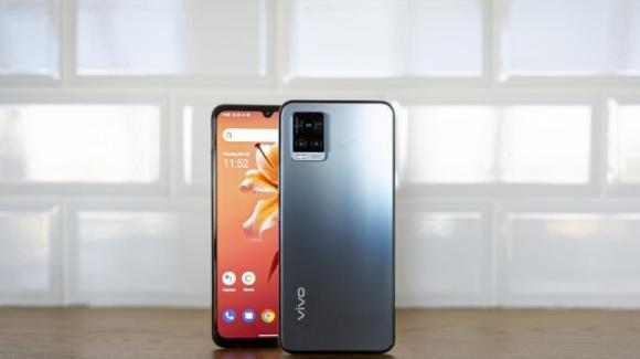Vivo V20 2021: ufficiale, con tripla fotocamera, ricarica veloce, nuovo processore