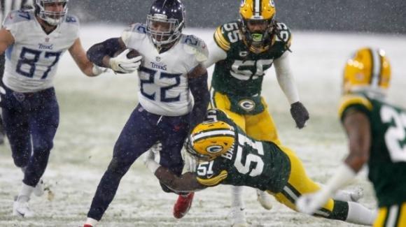 NFL, 16a settimana: i Packers piegano i Titans, gli Steelers battono i Colts