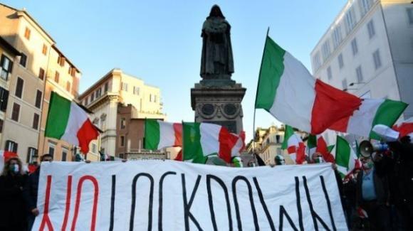 """Covid-19, fisico Battiston: """"La Puglia dovrebbe essere zona rossa per almeno un mese"""""""