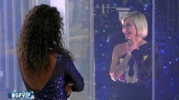 GF Vip, in molti chiedono l'allontanamento di Antonella Elia per le frasi contro Samantha De Grenet