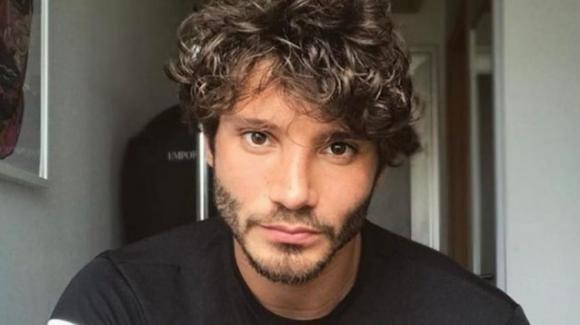 """Stefano De Martino confessa: """"Ho resistito all'eroina facendo il fruttivendolo"""""""