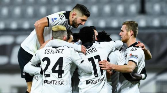 Serie A, lo Spezia vince per la prima volta in casa battendo la Sampdoria