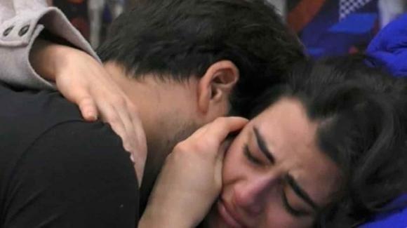 """GF Vip, Giulia Salemi in lacrime per la famiglia di Pierpaolo: """"Voglio chiudere la cosa"""""""