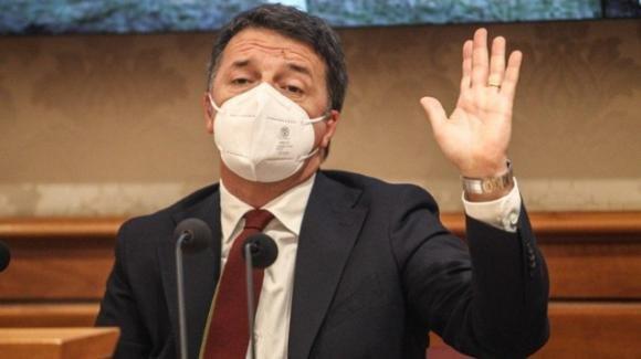 È crisi di Governo: si dimettono Scalfarotto, Bellanova e Bonetti. L'annuncio di Renzi alla Camera