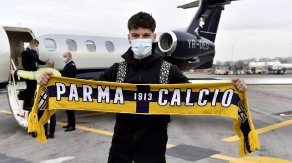 Il Parma Calcio acquista Dennis Man per una cifra intorno ai 14 milioni di euro