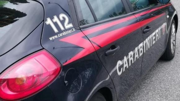 Brindisi, 30enne tenta il suicidio lanciandosi da un viadotto: salvato dai carabinieri