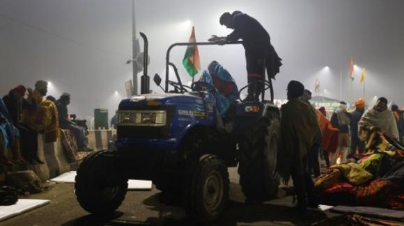 India, proteste degli agricoltori contro la legge sull'agricoltura