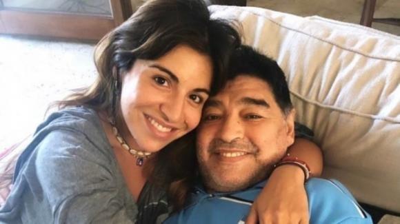 """Maradona, la figlia Giannina disperata per le accuse: """"Se mi uccidono, sono tutti complici"""""""