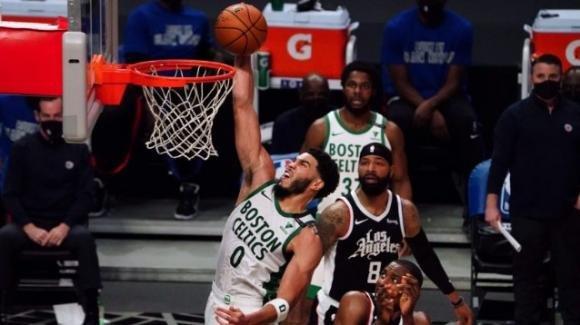 NBA, 5 febbraio 2021: i Celtics regolano fuori casa i Clippers, i Jazz vincono anche in casa degli Hornets