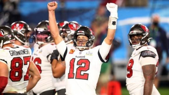 NFL 2020, SuperBowl LV: Brady di nuovo leggendario, vince il titolo con i Tampa Bay Buccaneers sui Kansas City Chiefs