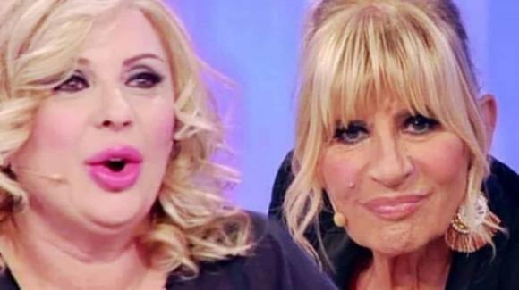 """U&D, Tina Cipollari attacca e insulta Gemma: """"Sembri la nonna di Cicciolina"""""""