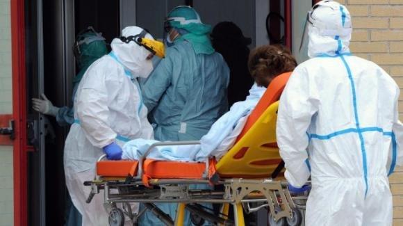 Covid-19, ospedali di Pescara al collasso: intubati e ricoverati anche giovani 30enni