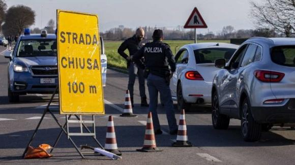Covid-19, in Lombardia torna il lockdown per quattro comuni: varianti del virus un pericolo