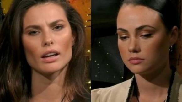 """GF Vip, Dayane Mello di nuovo contro Rosalinda: """"Parla come una suora. Io so perché è finita la sua storia"""""""