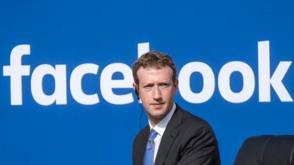 Facebook bastonata in Italia e Australia: ecco cos'è successo