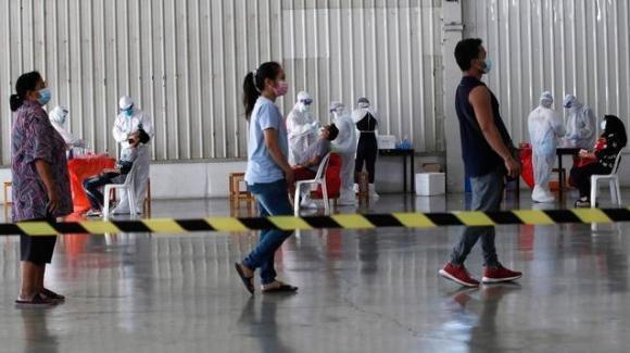Iniziano le vaccinazioni in Thailandia. Via libera nel Paese ai turisti già vaccinati