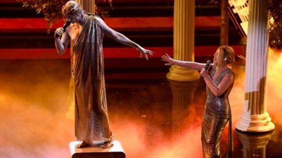 """Sanremo 2021, Achille Lauro interpreta """"Penelope"""" con Emma Marrone per gli incompresi: """"Il pregiudizio è una prigione"""""""