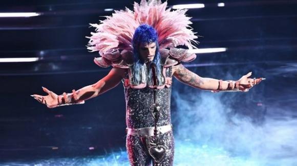 """Sanremo 2021, esorcisti contro Achille Lauro: """"Religioso mischiato al demoniaco"""""""