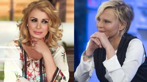 """Tina Cipollari conferma le nozze e aggiunge: """"Maria De Filippi non sarà la mia testimone"""""""