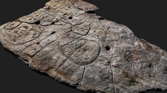 Trovata lastra bronzea risalente a 4000 anni fa: è la più antica mappa d'Europa in 3D