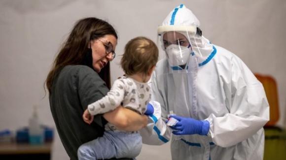 Ospedale Meyer di Firenze, neonata in rianimazione per Covid: le parole della direttrice sanitaria