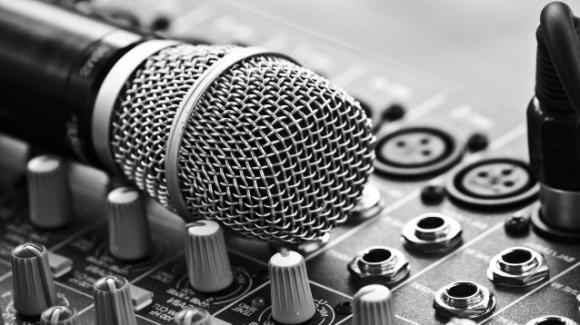 """L'industria musicale si ribella: """"In 16 mila allo Stadio Olimpico e concerti con 1000 persone"""""""