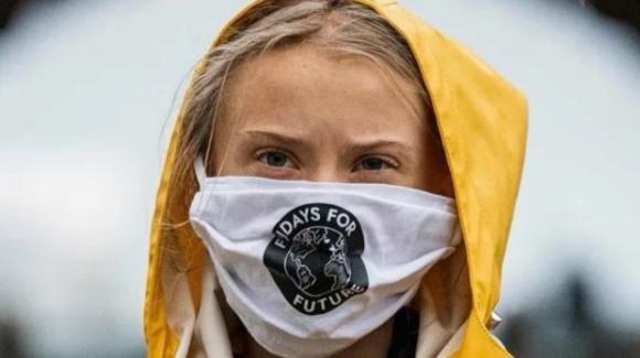 Greta Thunberg dona 100 mila euro all'Oms: serviranno a vaccinare i Paesi più poveri