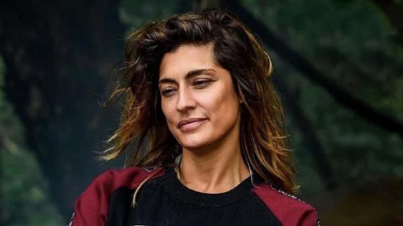 """""""L'isola dei famosi"""", Elisa Isoardi avrebbe abbandonato a causa del contratto"""