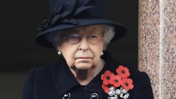 La Regina Elisabetta si appresta a festeggiare il compleanno in solitaria