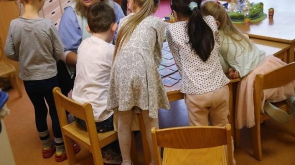 Covid-19, 37 positivi e 100 bambini in quarantena dopo un focolaio in un asilo