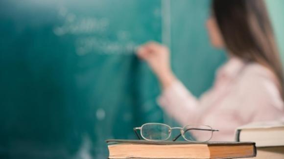 Novara, professoressa rifiuta di indossare la mascherina: sospesa sino a fine anno scolastico