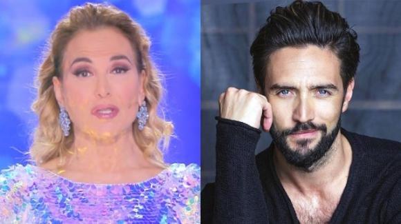 """""""Domenica Live"""", Barbara D'Urso preoccupata per la scomparsa di Alex Belli"""