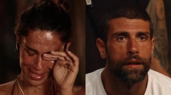"""L'Isola dei Famosi, Gilles Rocca rifiuta la prova ricompensa: """"Solo con la mia donna"""". La Lodo in lacrime"""