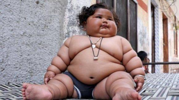UK: Neonata di 5,9 chili, è la seconda più grande mai nata nel paese