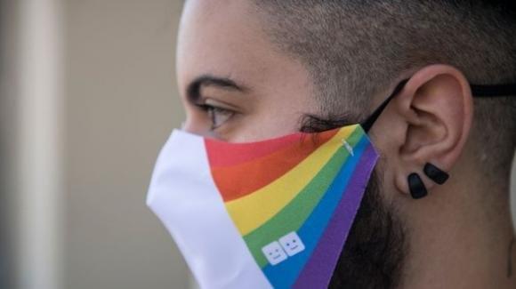Gianpaolo, cacciato di casa dai genitori perché gay: è costretto a prostituirsi per vivere