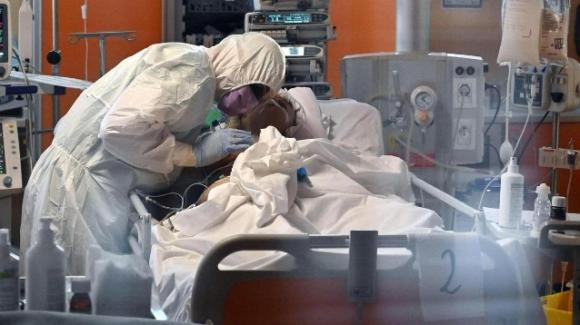 Salento: giovane senza patologie pregresse muore di Covid-19
