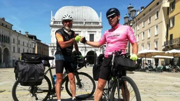 Due amici lanciano la sfida: percorrere l'Italia in bicicletta da Nord a Sud