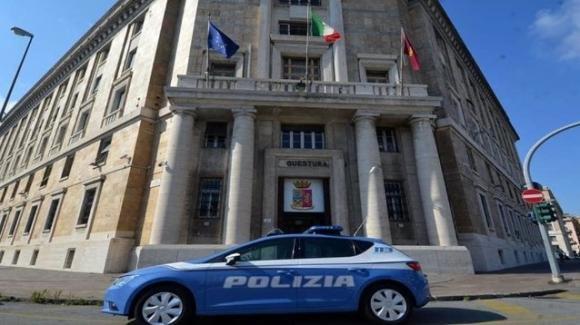 Genova, si reca in questura per recriminare sulla multa al figlio, ma è sanzionato a sua volta